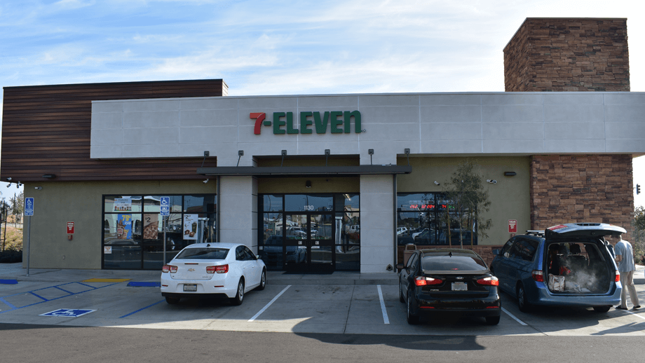 Outdoor image of 7-11 main entrance.